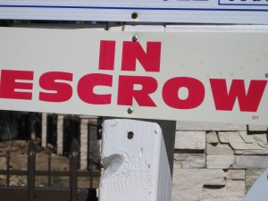 Buying a Phoenix home process in escrow